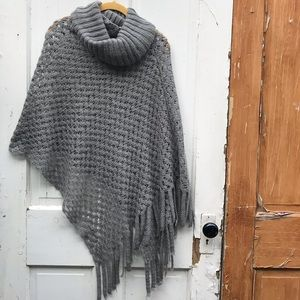 Big Buddha gray knit poncho One Size
